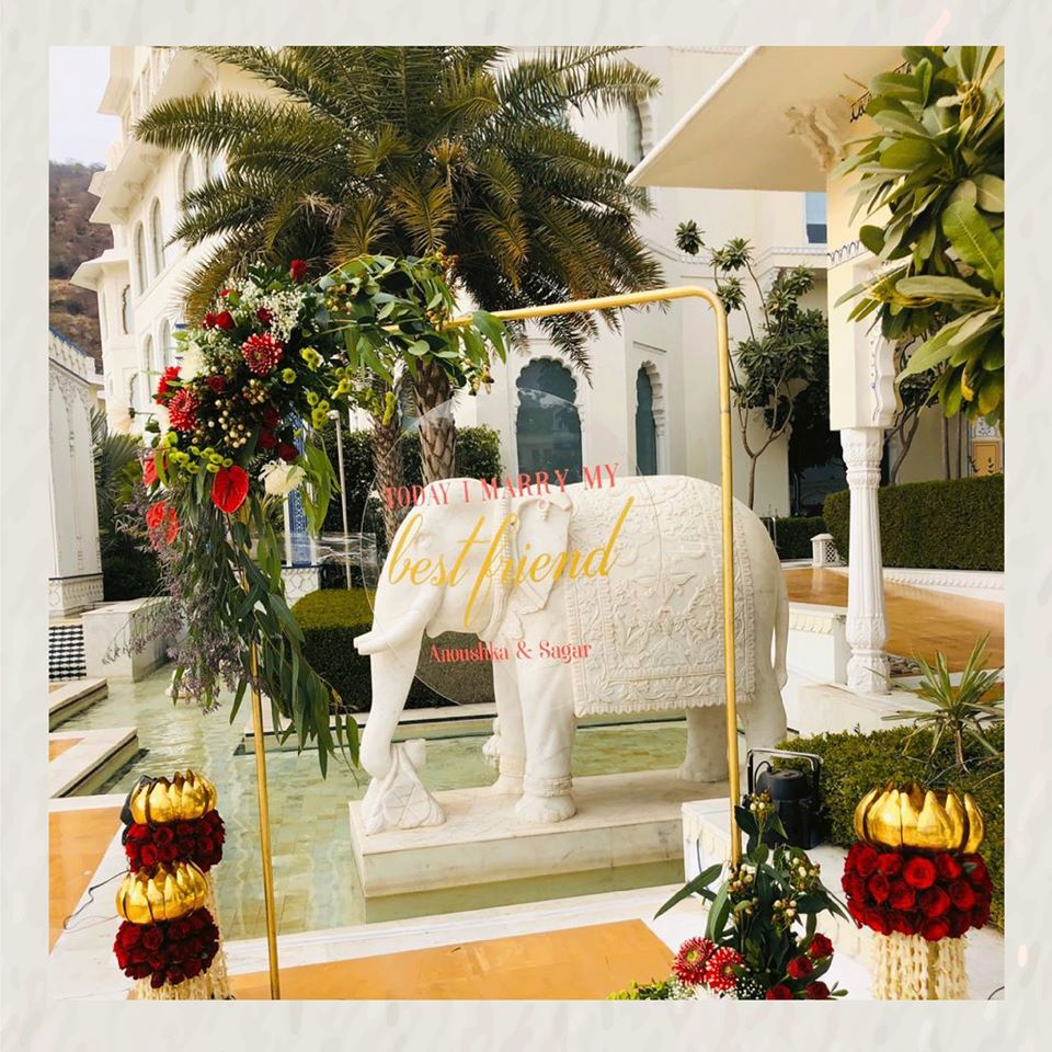 This beautiful #wedding #prop bound to spice up Anoushka & Sagar's #weddingdecor.  For Enquiries:- Visit: http://eventually.co.in/  | Call: +91-9799682333  #eventplanner #events #wedding #event #eventplanning #weddingdecor #love #eventmanagement #Eventually #PadmeshJainpic.twitter.com/lil21WIFCx