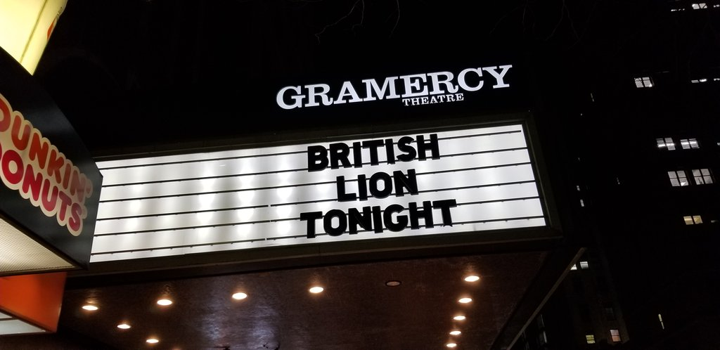 We're rocking out with #steveharris #britishlion at #gramercytheatre and friends from @GhostCultMag @Skateboardmkt and more \m/pic.twitter.com/VaWoXnVSMB
