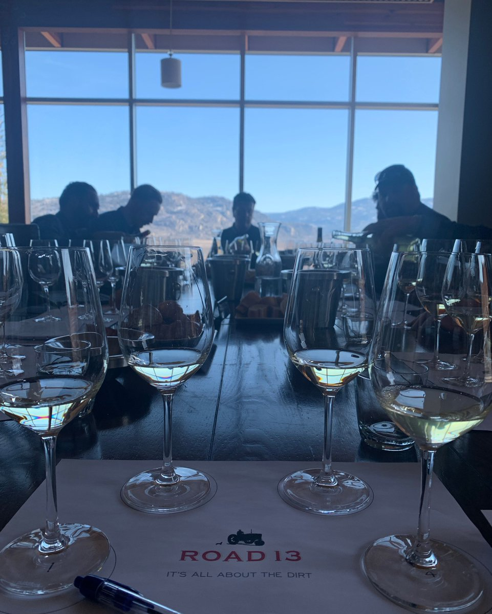A fun morning sitting in on a meeting with the winemaker and viticulture team listening to them dicuss wine style and vineyard practices for the coming vintage. #BCWine #uncorkthesun #allaboutthedirt #oliverbc #osoyoos #winetasting #goldenmilebenchpic.twitter.com/zRvHRrvIey