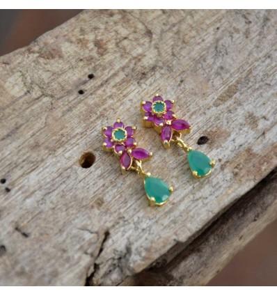 Buy Ruby Emerald earring online: http://ow.ly/qUX150xY3A5 #earrings #goldplated #imitationjewellery #artificialjewellery #goldcoverings #imitationearrings #goldplatedearrings #stoneearrings #kollamsupreme #rubyearrings #girlsearrings #semipreciousstoneearrings #partywearearringspic.twitter.com/GL823mzUBZ