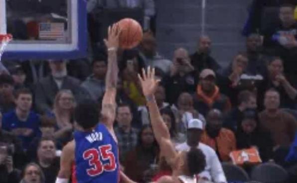【影片】這球能吹一年!排球大火鍋字母哥,連MVP他都敢不放在眼里!-黑特籃球-NBA新聞影音圖片分享社區