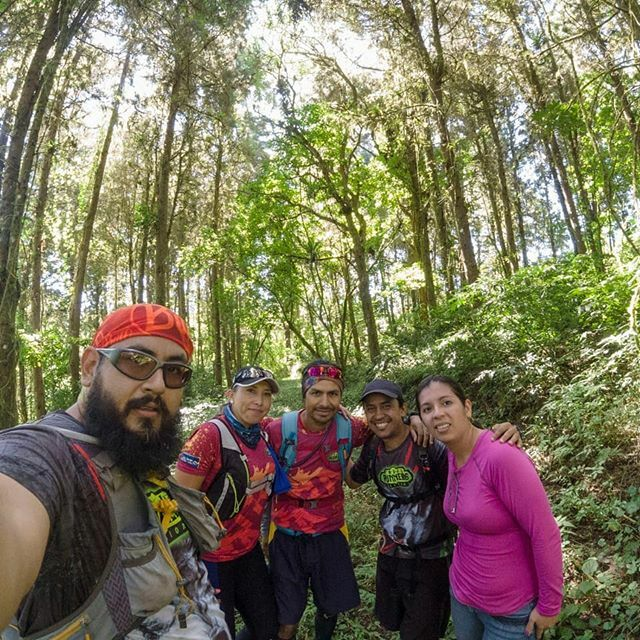 Monteando con @trailrunnerslegion . . . #NeverStop #690abcSports #run #runner #runnerlife #running #runningpassion #runninglife #runtagram #train #trainhard #trainning #trail #trailrunning #trailrunlife #trailrun #trailrunner #trailrunaddict #naturerunne… https://ift.tt/2v1D7pmpic.twitter.com/mhB6lZYba9