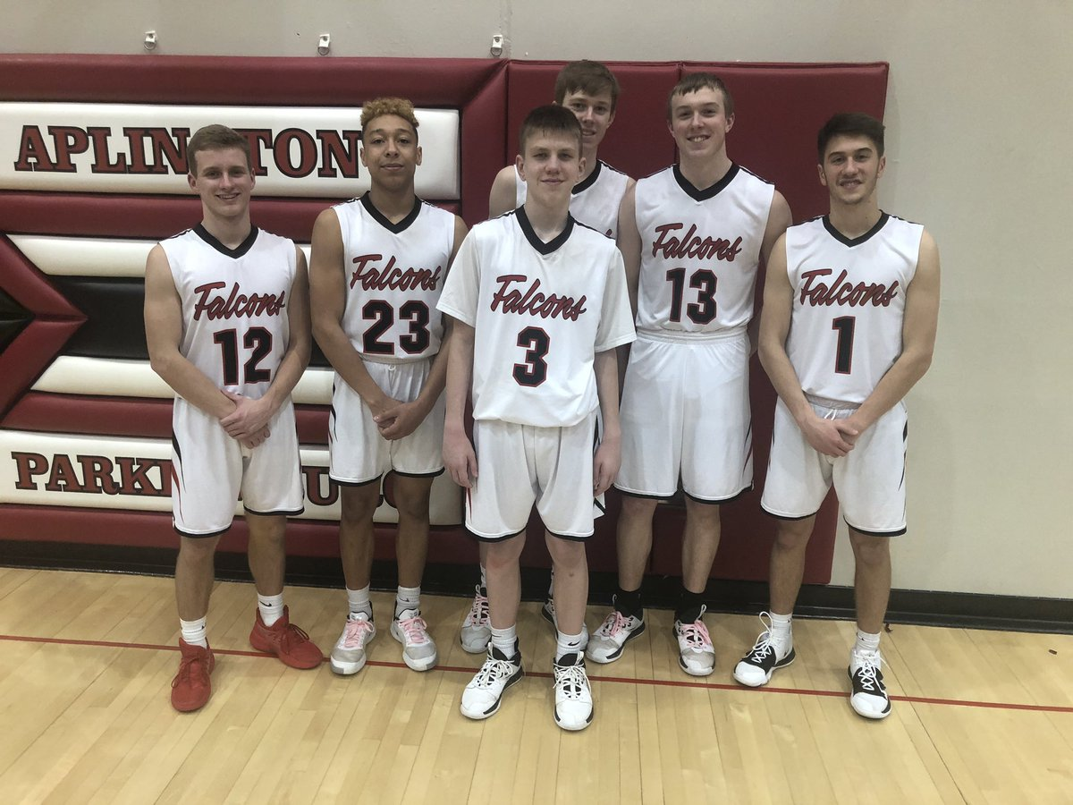 Special thanks to the seniors for accepting and including Garrett and providing great leadership this season. Wish PJ and CG were in this picture as well.  You all have tremendous character and our welcome in our house at in time.  Thanks for a great season.<br>http://pic.twitter.com/7fO1oP8o5e