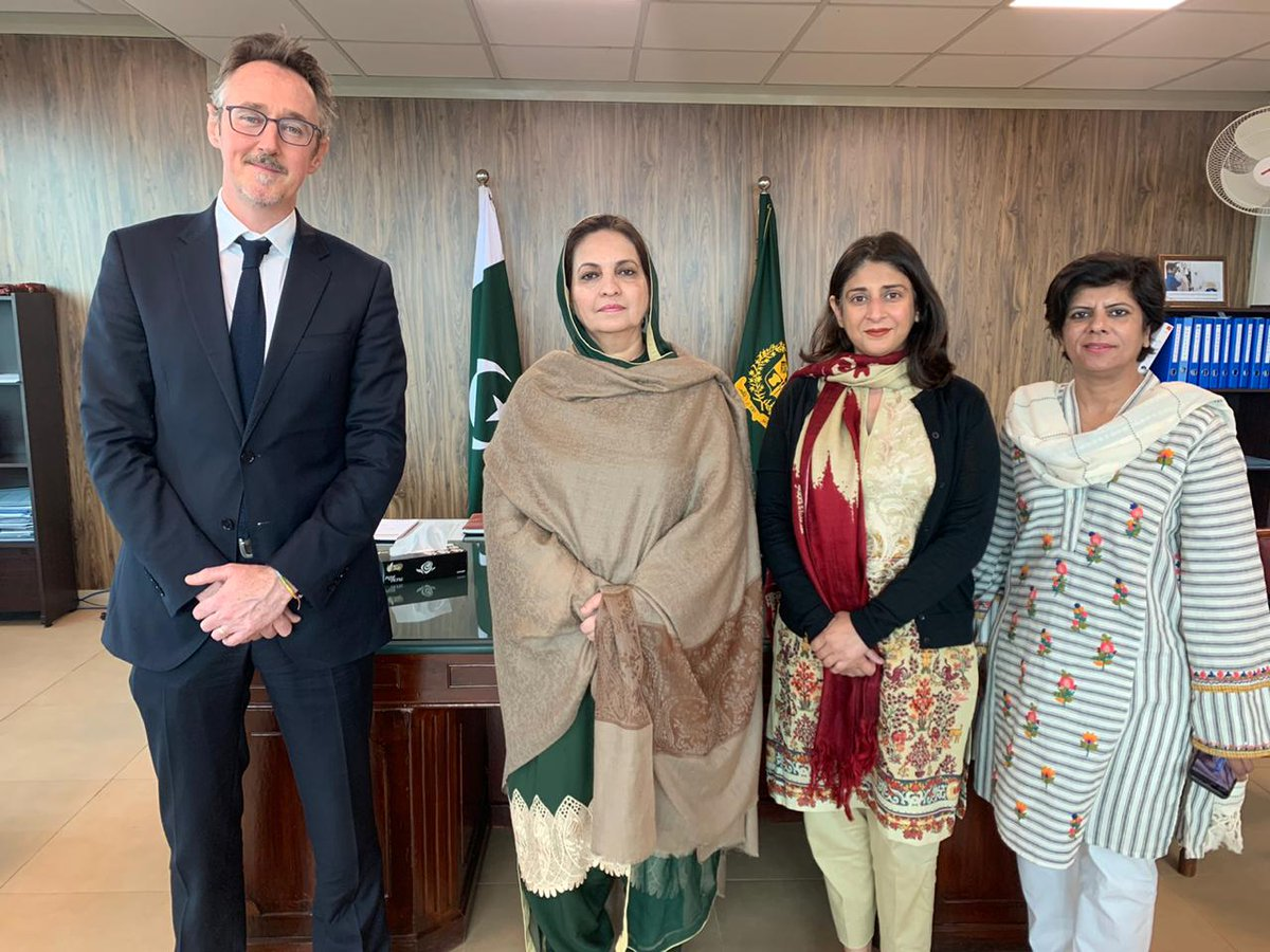 "RT InsafPK ""RT DrNausheenPTI: Met Simon O'Connell Executive Director #MERCYCORPS. Discussed how they can assist us to increase access to quality #Healthcare improving #Livelihoods #Education and helping communities recover from #NaturalDisasters n #E… """