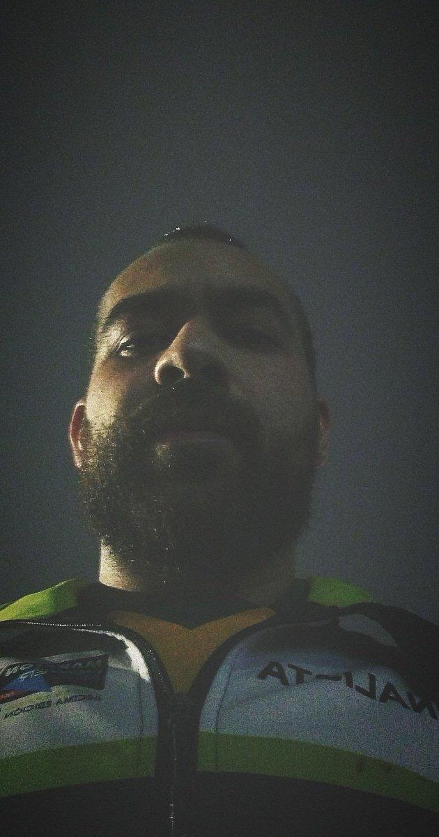 Correr bajo la lluvia es mi hábitat natural.   #Runner #RunnerLife pic.twitter.com/bfxnrVq7Hd