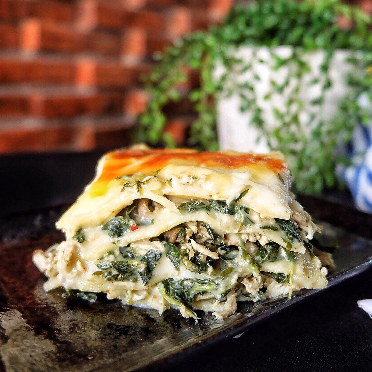 Percaya ga ini menu diet?  cuma di @befit_kitchen bisa diet tanpa tersiksa! No MSG, No palm oil, low fat, low sodium, dihitung kalori & nutrisinya. Ada 300 menu, dijamin ga bosan. Makan sehat tetap nikmat!  ORDER klik link: http://befit-kitchen.com/order atau WA:085927400300pic.twitter.com/Y4TQMRgxpF