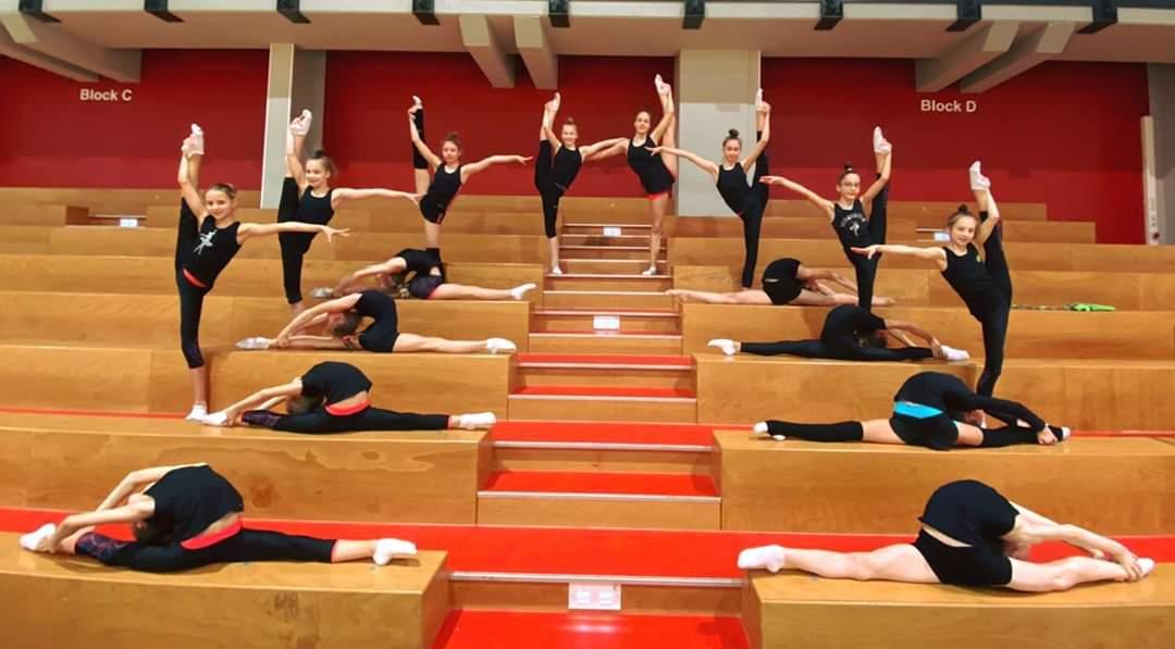 Heute ist der letzten Tag des zweiwöchigen Winterlehrganges für unsere fleißigen Gymnastinnen & ihre Trainerin Margaryta  Stolbin. Hoch motiviert starten sie am Sonntag beim ersten Ländervergleichswettkampf 2020. Wir drücken ganz fest die Daumen! #simplysaxony #sogehtsächsisch pic.twitter.com/NAXW80Fsvf