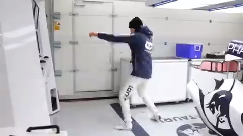Ready for Round 2, @Kvyatofficial? 🥊   #AlphaTauri #F1 https://t.co/jl2Uyv3XFB