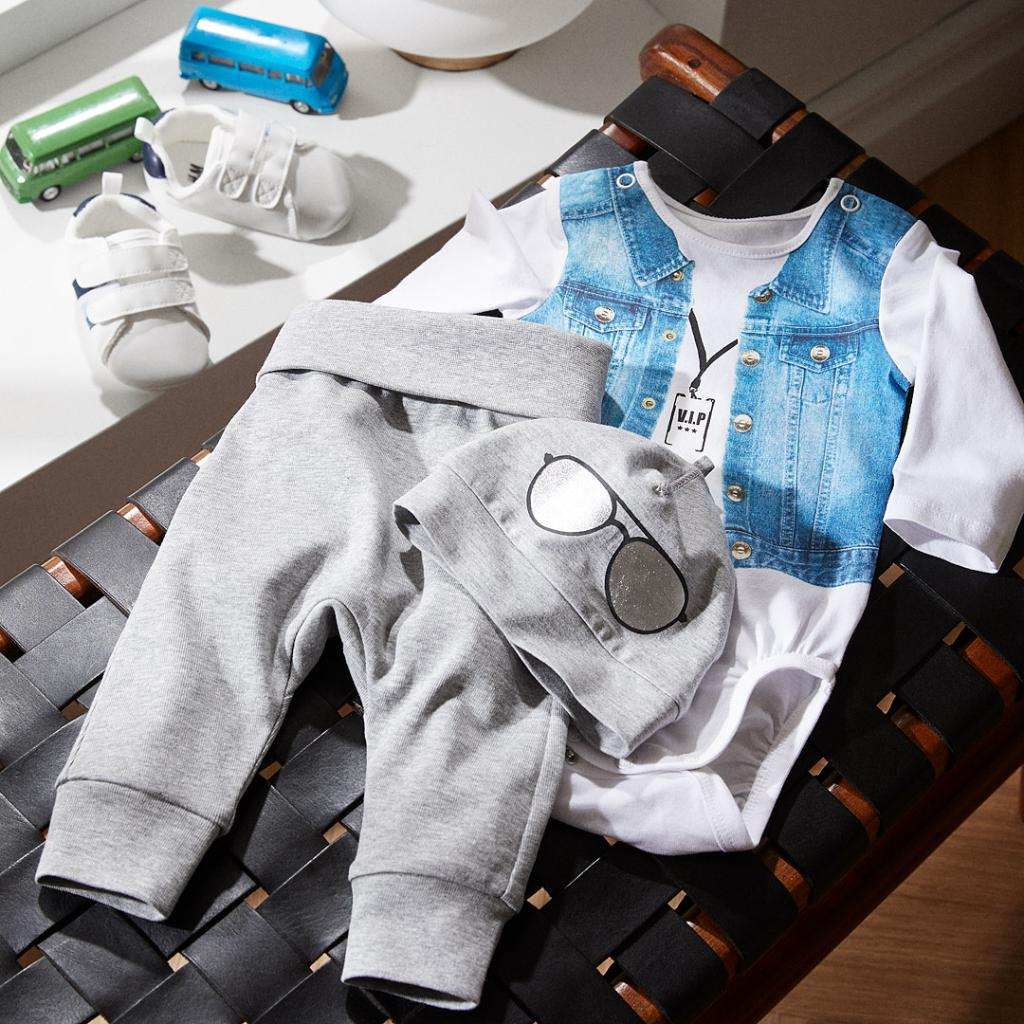 Do you know a little biker baby that needs this look? #HMKids http://www.hm.com/?utm_source=twitter&utm_medium=social&utm_campaign=stilllife…