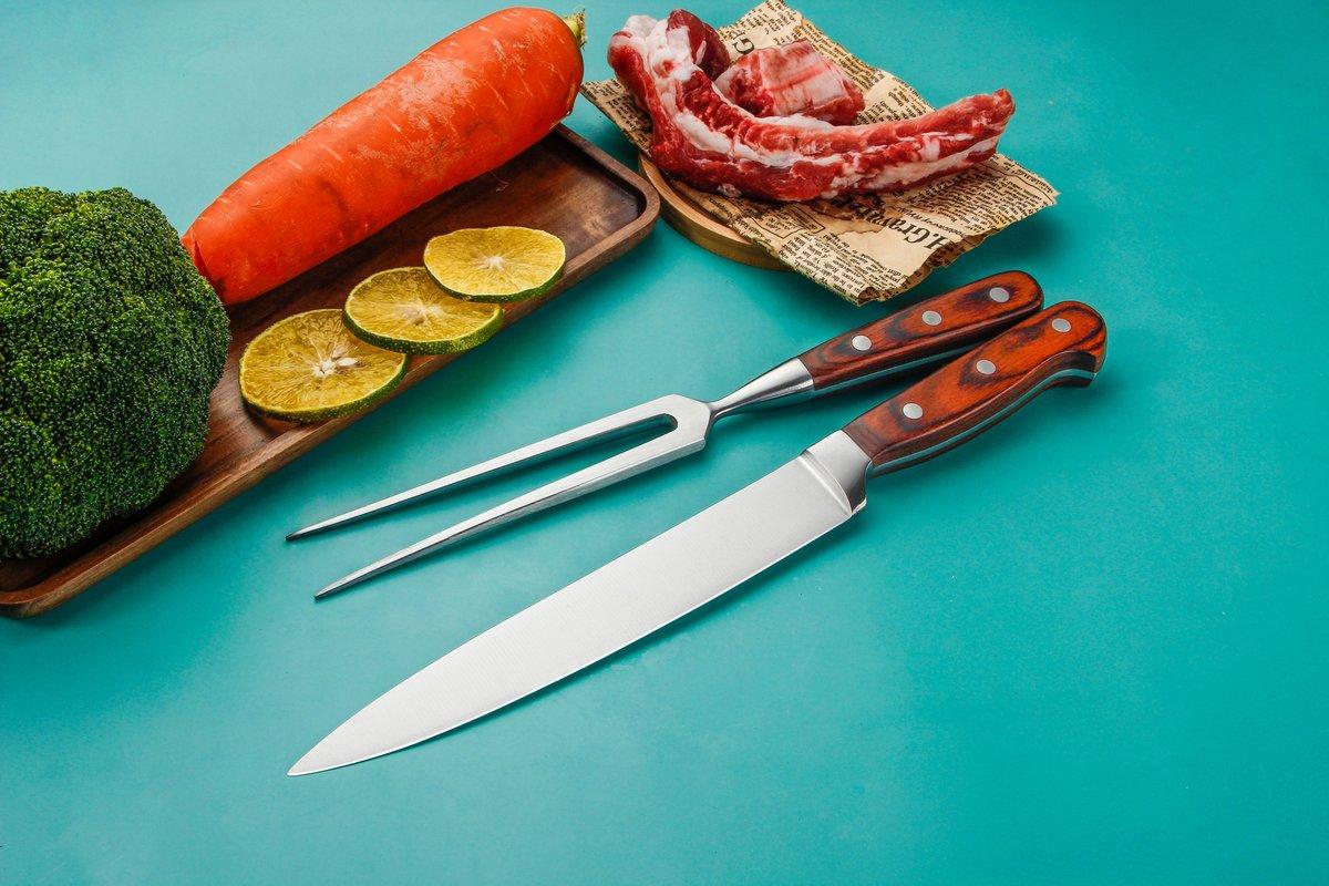 Practical kitchen 4 PCS knives set with high-grade forged handle pakka wood.  > Skype:+86-13926302273 > WhatsApp:+86-13926302273 > E-mail: joanna@rtkitchenknife.com >More: https://www.rtkitchenknife.com/ #knife #customknives #knifemanufacturerpic.twitter.com/HpA29IRHXq