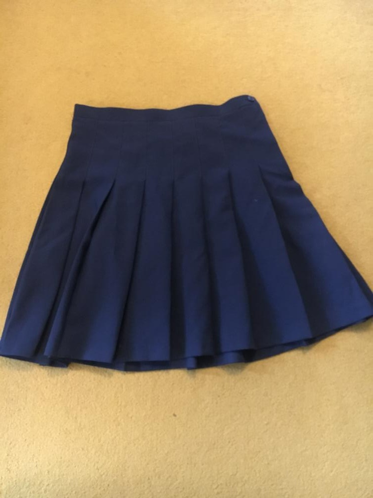 Are you looking for a preloved skirts from Dover Grammar School for Girls? A parent is giving away 2 skirts for FREE.  Register Free!  Share and like! #schools #teachers #families #parenting #parents #family #friends #schooluniform #secondhand