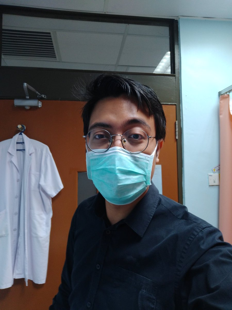 Chinese peeps in Kuantan looks like Malays sikit kot, sbb ramai patient ingat aku chinese even times without the face mask. And usually they keep it to themselves, dunno y they feel the need to point it out lol. #latergram #fnac #pathologyMOnowadays #selfie #kasicanla