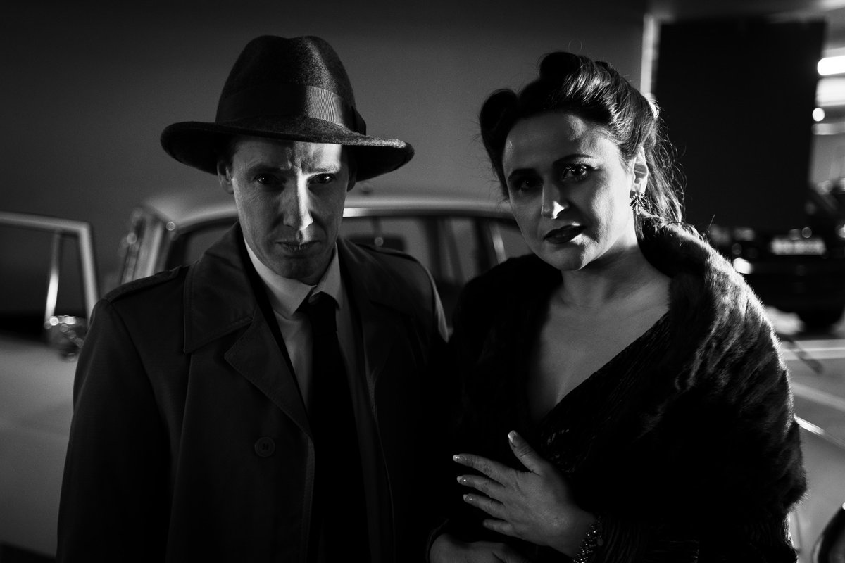 Barry and Kristina ready for video shoot @adamrael Filming & Photography. Many thanks to milliner @johnshevlin1 for the hats  #filmnoir #filmnoirstyle #dublin #blackandwhitephotography #blackandwhite #1940sfashion #1940sstyle #1940shair #40sfashion #vintagestylepic.twitter.com/mhNI5KE7GK