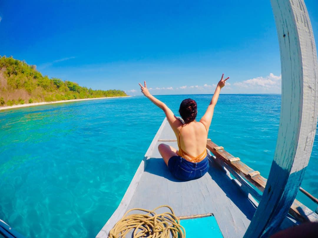 """Hello weekend! I'm coming!""  Photo by Nathaniel Cueto of SJCAM Users Philippines #SJCAM #beach #travel #adventure #roadtrip #tropical #islands #ocean #snorkel #dive #swim #happyhappylangtayo #philippines"