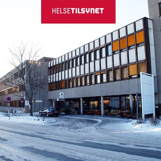 Helsetilsynet mener syv av åtte sykehus følger opp såkalte «utlokaliserte» pasienter med uforsvarlig høy risiko, skriver http://vg.no. https://www.vg.no/nyheter/innenriks/i/8mo20A/helsetilsynet-syv-av-aatte-sykehus-bryter-loven…  Bildet: Thomas Andersen, https://commons.wikimedia.org/wiki/File:Hamar_sykehus2.jpg… #pasient #sykehus #tilsyn #utlokalisering #risiko pic.twitter.com/jlE1hiennj
