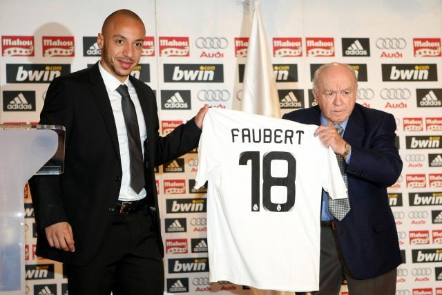 Comme Braithwaite, leurs transferts vers des grands clubs européens ont surpris http://ow.ly/fLwT30qjx9Kpic.twitter.com/26FUkixbeG