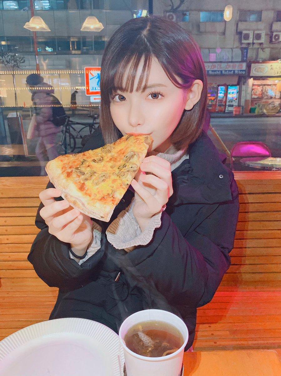 ピザでご機嫌が取れちゃうという単純な女です!!🍕