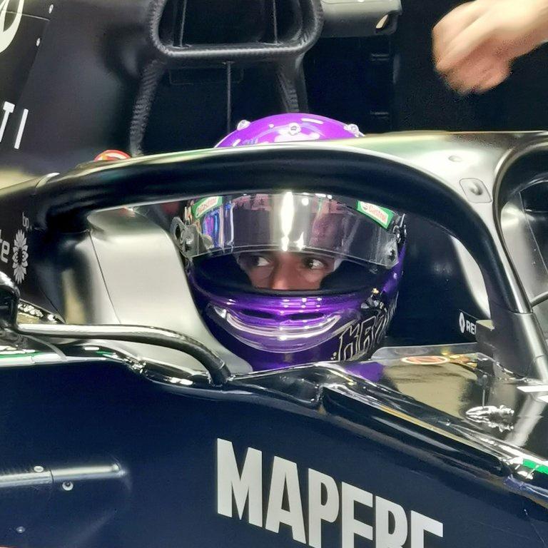Ricciardo a endommagé son fond plat sur un vibreur, ce jeudi à Barcelone... #F1Testing #RenaultF1 #F1 #DR3 #RSspirit #Formula1 #RS20   ⬇️ Lien de l'article ⬇️  https://news.sportauto.fr/news/1546672/essais-barcelone-2020-esteban-ocon-daniel-ricciardo-Renault-RS20.amp?__twitter_impression=true…
