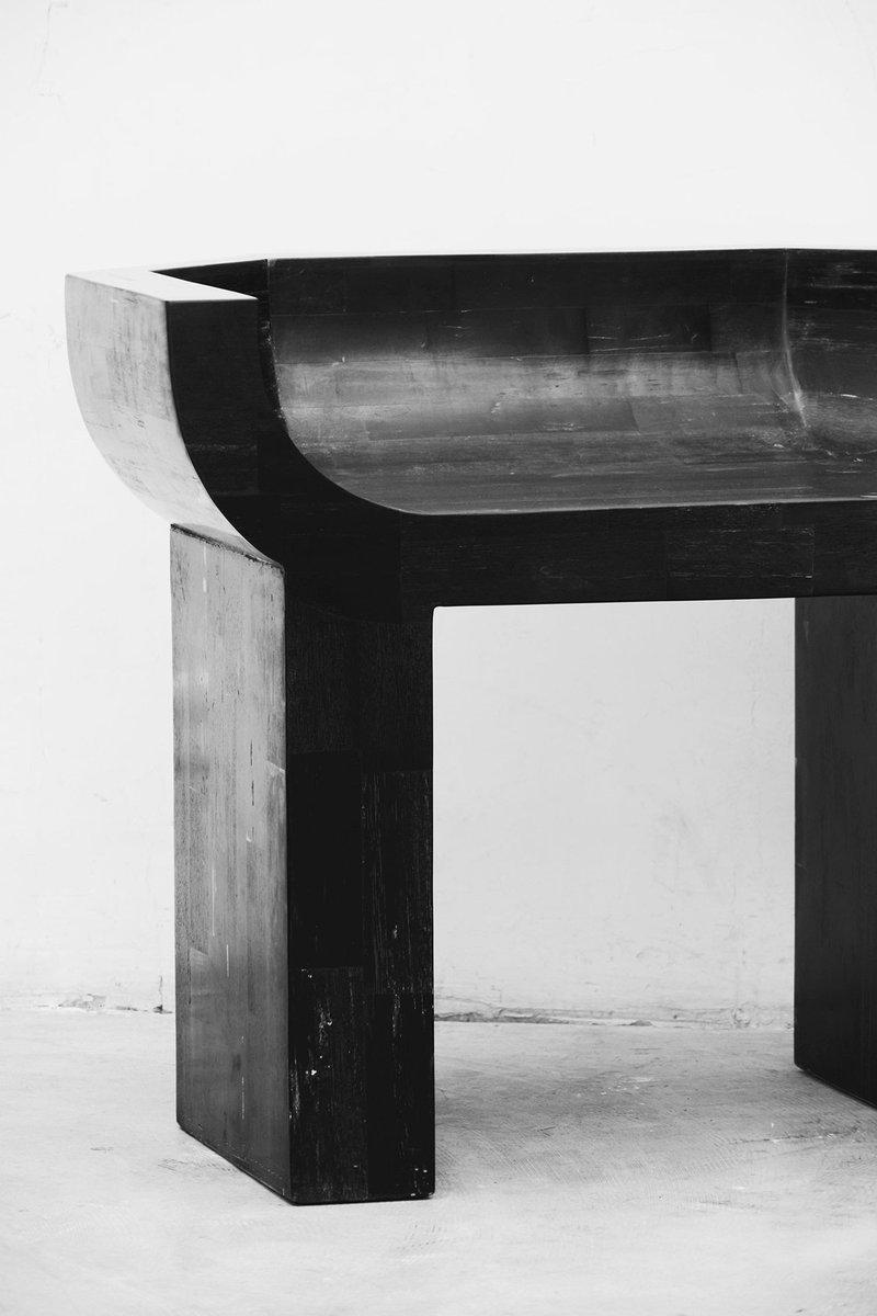 Saviez-vous que le célèbre créateur de mode Rick #Owens conçoit des meubles depuis 2007 ? #Design