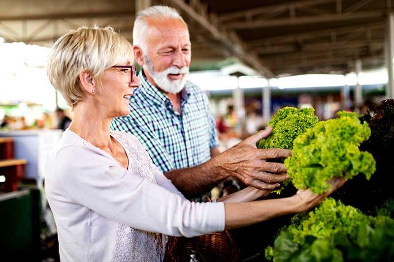 Der Handel zeigt: Bio und vegan sind Mainstream - https://www.wir-essen-gesund.de/bio-und-vegan-mainstream/… - Vor wenigen Jahren noch war Geiz geil und die Currywurst heilig. Das hat sich mittlerweile deutlich geändert. Die Zukunft ist pflanzlich und biologisch angebaut, das zeigen die Wachstumszahlen der Bran... pic.twitter.com/DEEoUM7XOC