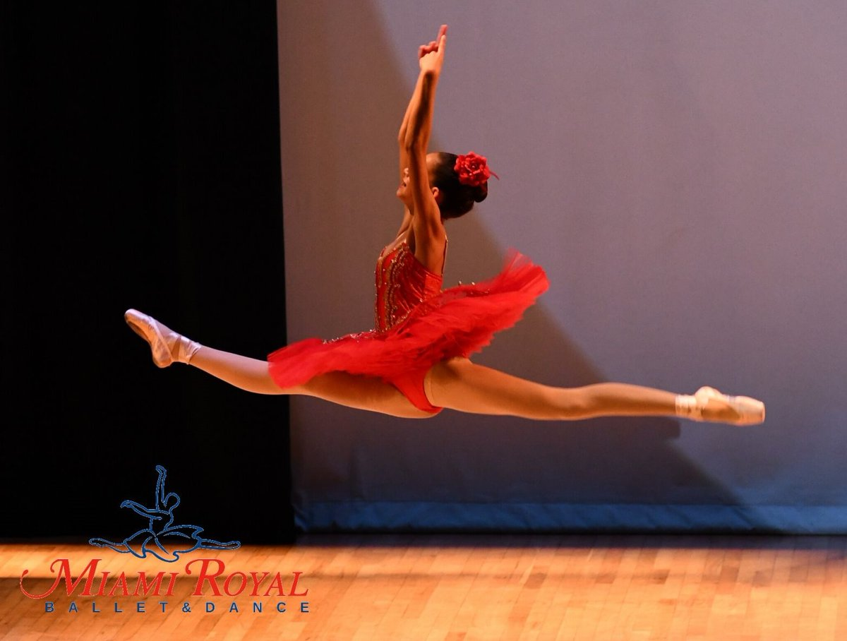 """We offer a well-rounded dance curriculum!  Come join our """"Summer Classes""""   Sign Up Today or give us a @miami_royal Balllet  #ballet #dance #ballerina #dancer #balletdancer #dancers #pointe #balletclass pic.twitter.com/JHSZAbAqDT"""