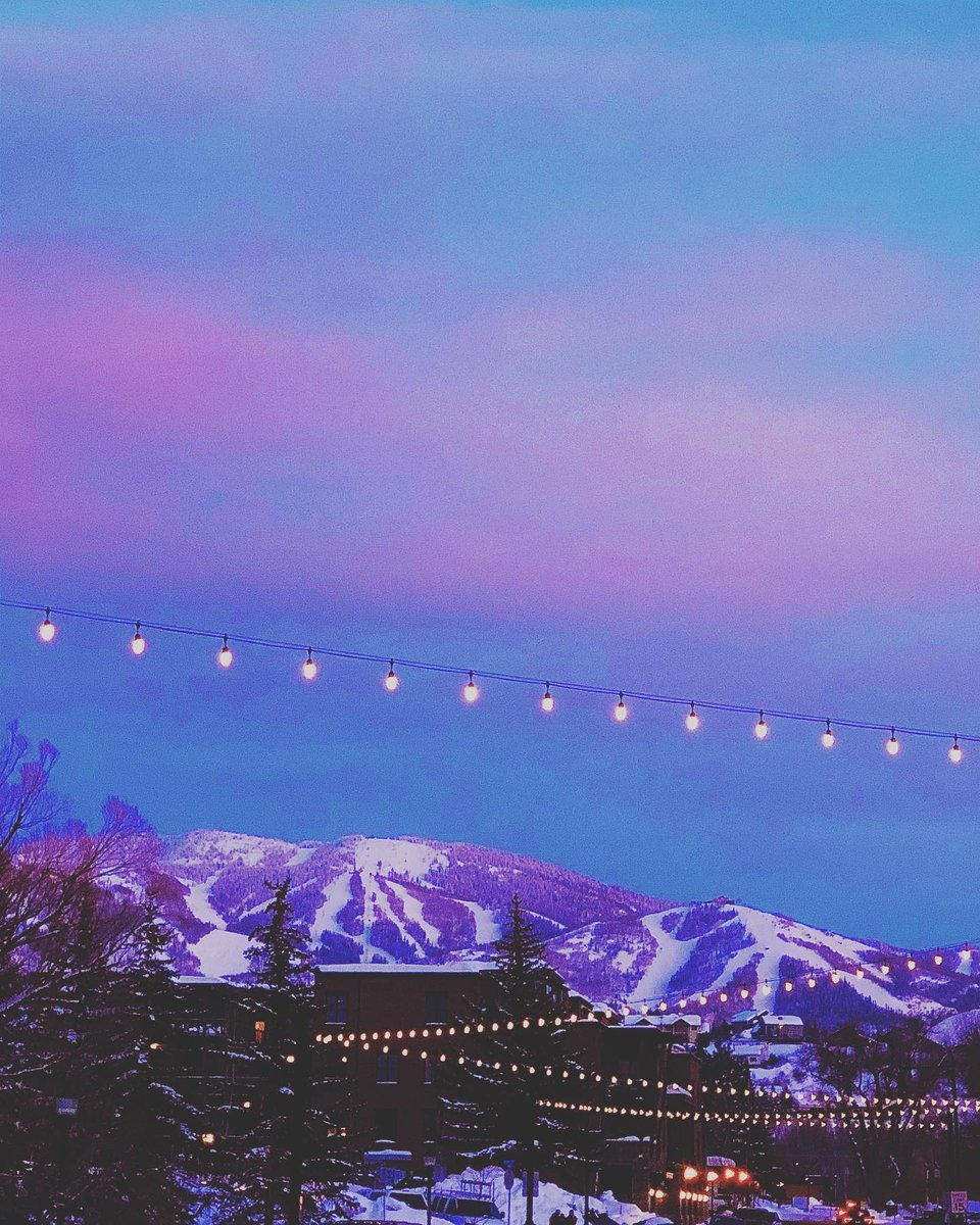 Purple mountains and cotton candy skies  PC: @jenandersonsummers .⁠  #visitsteamboatsprings #colorado #thegreatwest #steamboatsprings #visitcolorado #mountainspic.twitter.com/mk6wfYWgUw