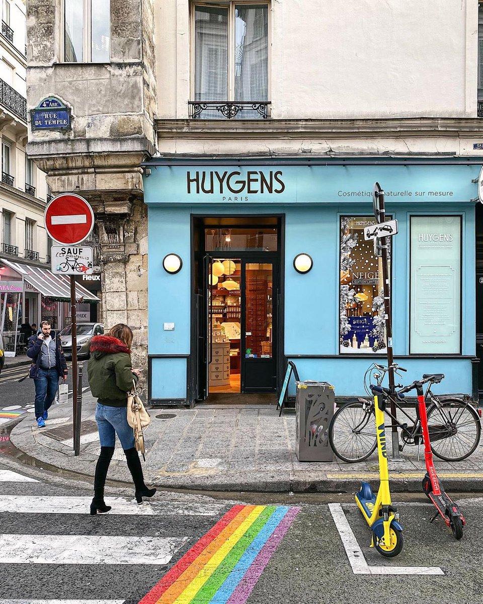 Somewhere over the rainbow in the Marais neighborhood... @patrickcolpron http://shorturl.at/pqsxA  #parisjetaime #paris #parisianlife #visitparis #igersparis #topparisphoto #photooftheday #beautifuldestination #travellingeurope #living_europe #marais #maraisparispic.twitter.com/IDGWsHP1BL