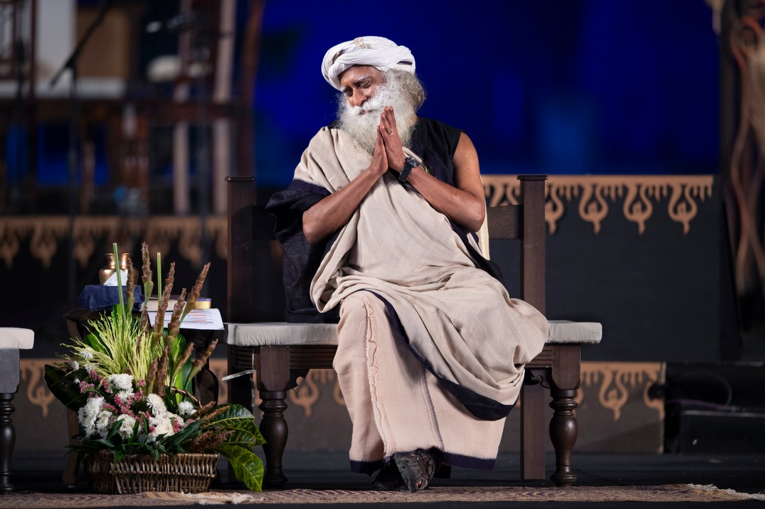 It is my wish and my blessing that this night should become a significant night in your growth and evolution. - Sg #Mahashivratri2020 #DontYawnTillDawn  http:// Msr.live     <br>http://pic.twitter.com/NDLOSEOZOf