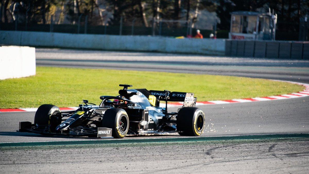 La RS.20 de Esteban Ocon a parcouru 76 tours, tout cela en une matinée 💛 Il a pour l'instant la deuxième place avec un temps de 1:17.102 ! #F1Testing #RSspirit #RS20 #Formula1 #EO31 #F1  [ 📸 @YohannQuintin ]