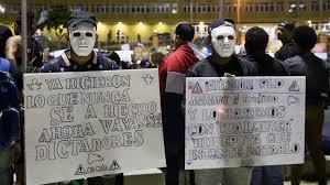 Cuarto días de protestas con disfrazados de superhéroes - https://lascalientesdelsur.com/nacionales/224879/cuarto-dias-de-protestas-con-disfrazados-de-superheroes.html…pic.twitter.com/HrrHg9WKso