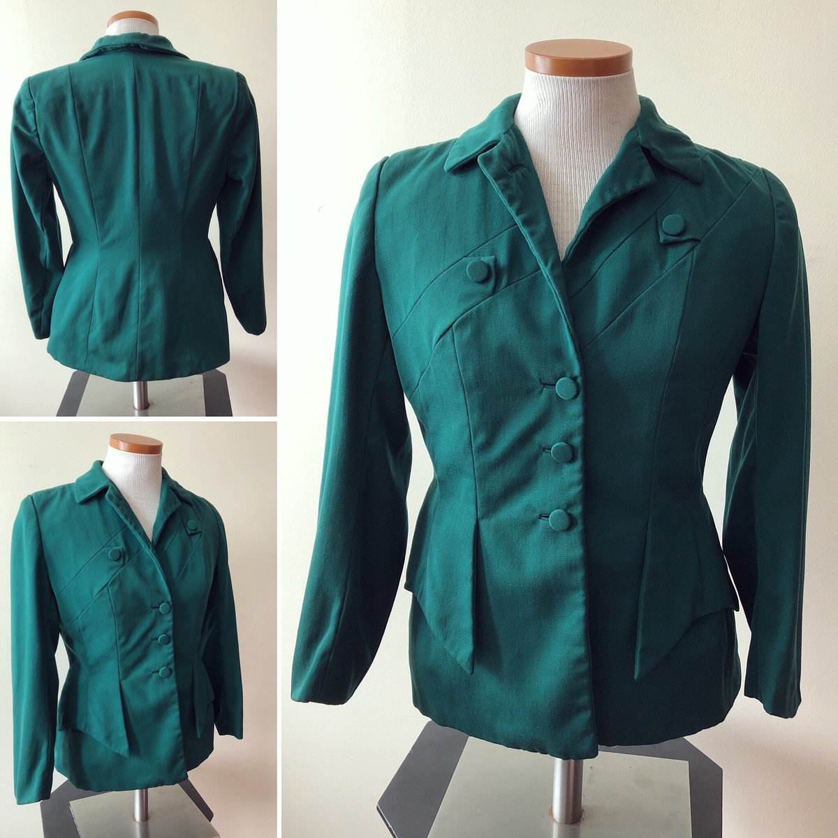 """Emerald green 1940s blazer. Stunning design and faux pockets for the true vintage soul Bust:38"""". Waist: 30"""".  #vintagefashion #vintageblazer #1940sfashion  #1940sblazer #emeraldgreen #classicvintage #vintagesoul #vintageenthusiast #fashionhistorypic.twitter.com/hszJn0hqBo"""