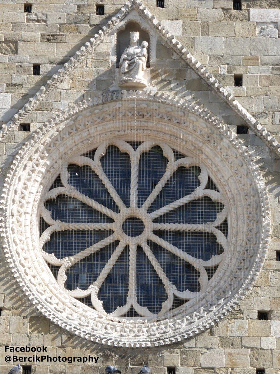 #Rose #window #Atri #Cathedral (Italian: #Basilica concattedrale di Santa Maria Assunta) #Italy #Italia #Abruzzo #Scerne #photo #foto #zdjęcie #podróż #travel #viaggi #amazingplaces #F4F #church #architecture #art #arte #sztuka #rosewindow #rosettapic.twitter.com/WbLtfcAQQB