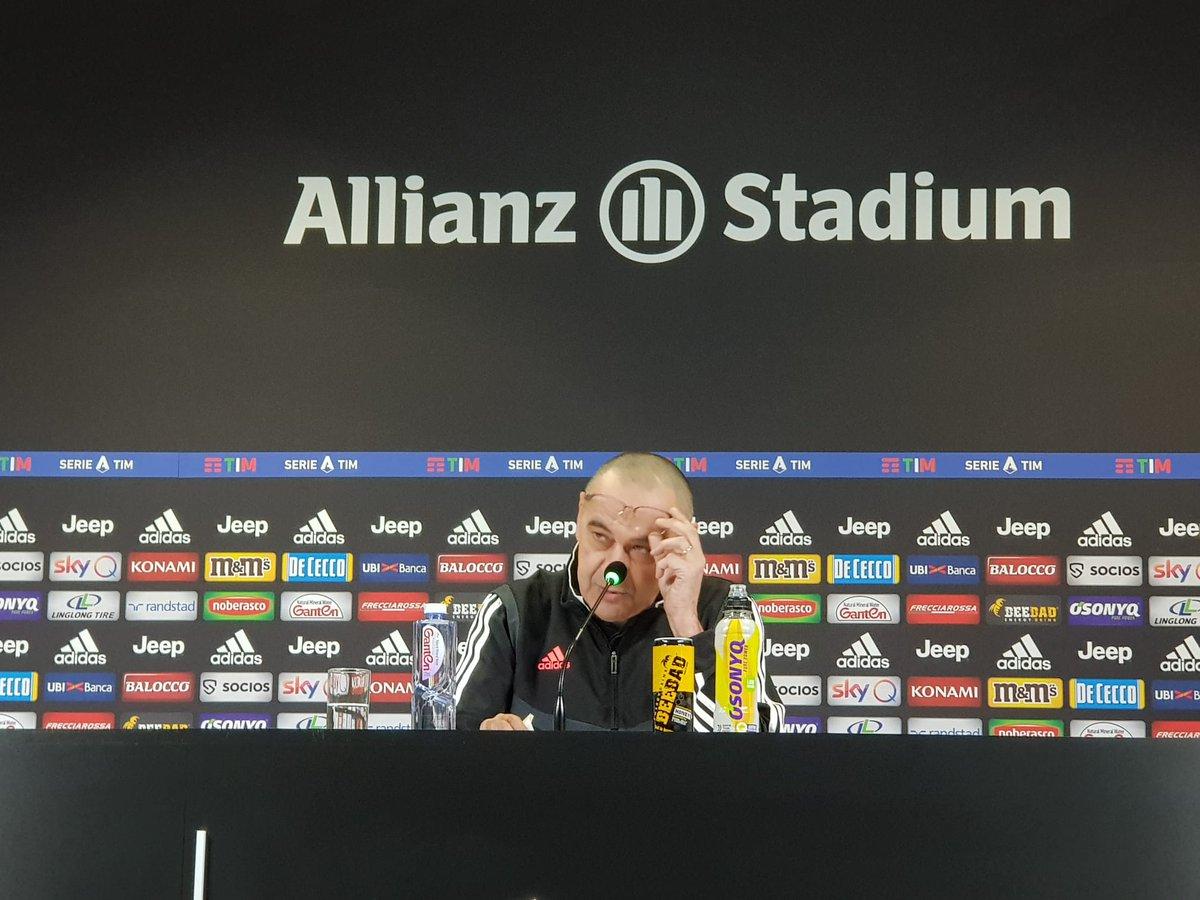 Termina la rueda de prensa de Mister #Sarri. En breve, como siempre, el resumen en http://Juventus.com   #SPALJuve