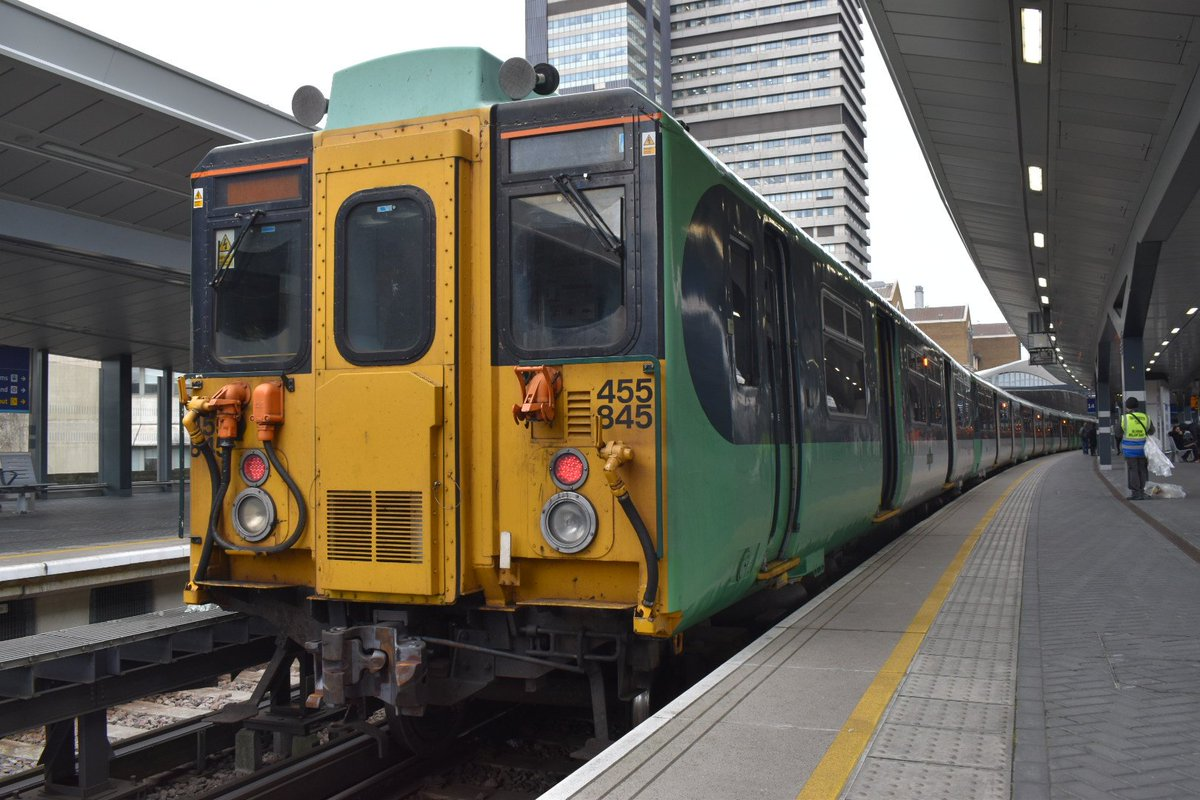 So, what to do with the Southern Daysave?  Myself and @Minion_Josh_ will be boarding at least 1 of every fleet.  455 is first to East Croydon before we head to Brighton! pic.twitter.com/aQlvUv9jvH