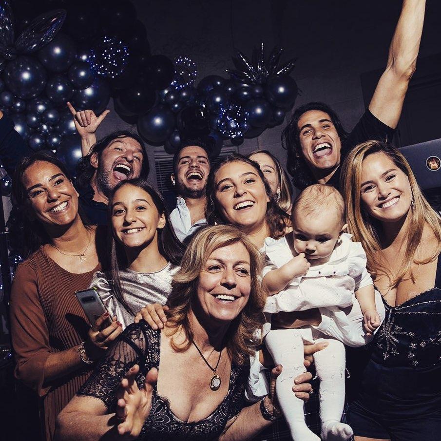 Lindo momento en familia... Beau moment en famille... Lovely family time...