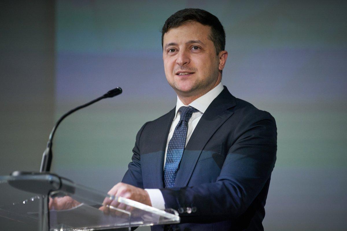 Щоб у сучасному світі бути успішними та конкурентоспроможними, ми маємо розвивати й втілювати у життя прогресивні ідеї та новітні технології. Україна має стати найбільшим стартап-хабом у Європі. Давайте робити це разом. Сьогодні й кожного дня.