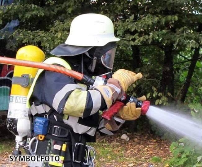 Einsatz für die Abteilung Perlach  #31  20.02.2020 14:54 Uhr  Annette-von-Aretin-Straße  Flächenbrand (< 100 m²)  HLF   #WirfürPerlach #FFPerlach #FreiwilligeFeuerwehr #FeuerwehrMünchen #immerfüreuchda #Ehrenamt #OneTeam #MehralseinHobbypic.twitter.com/zKTmZFYspT