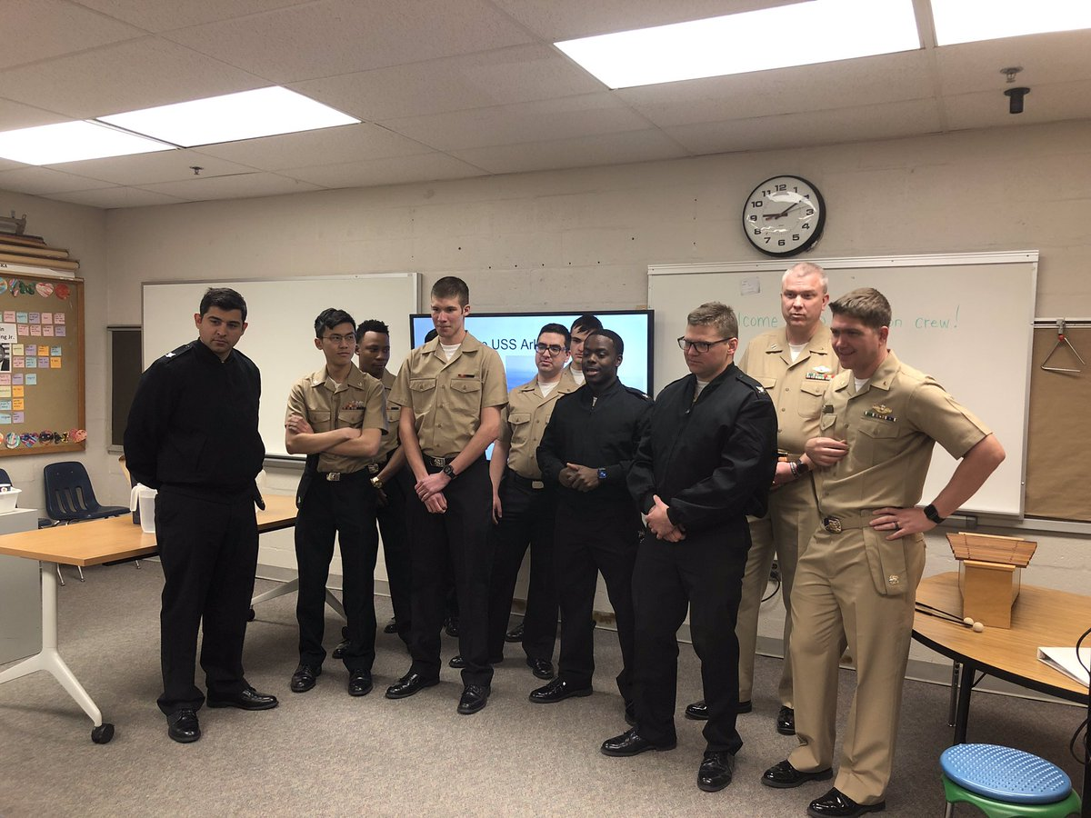 Oakridge's amazing partners, the crew of the <a target='_blank' href='http://twitter.com/USSArlington'>@USSArlington</a> docked at school for a day of water-based STEM experiments. <a target='_blank' href='http://search.twitter.com/search?q=APSIsAwesome'><a target='_blank' href='https://twitter.com/hashtag/APSIsAwesome?src=hash'>#APSIsAwesome</a></a> <a target='_blank' href='http://twitter.com/VPLiaison'>@VPLiaison</a> <a target='_blank' href='http://search.twitter.com/search?q=APSGetInvolved'><a target='_blank' href='https://twitter.com/hashtag/APSGetInvolved?src=hash'>#APSGetInvolved</a></a> <a target='_blank' href='https://t.co/10e5GIprz8'>https://t.co/10e5GIprz8</a>