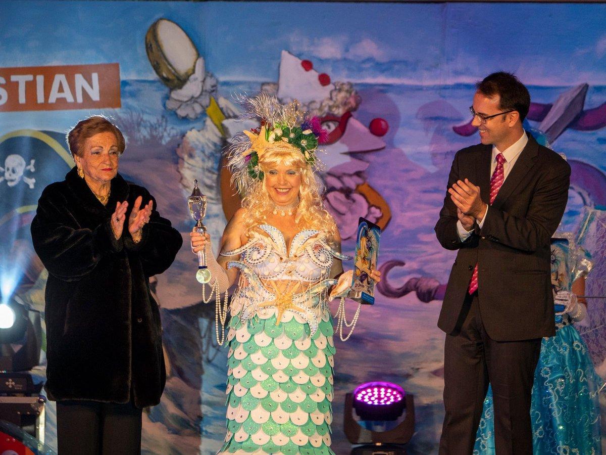 #Carnaval2020|| Rosario Morales Rodríguez elegida Reina de los Mayores del Carnaval de #SanSebastián de #LaGomera 2020. https://www.facebook.com/1487380301542445/posts/2565799980367133/?d=n… #CarnavalSanSebastián2020 #CanariasVive #CarnavalCanariaspic.twitter.com/ZFLrIJGWtE