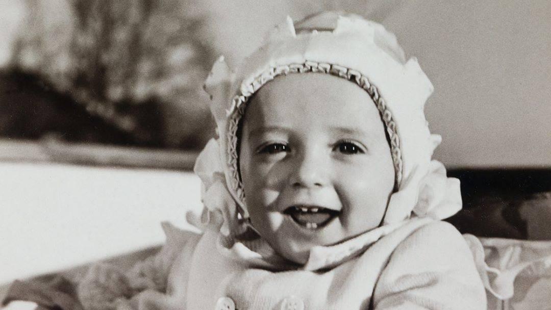 Stets lächelnd, winkend und wunderbar bodenständig sieht man Norwegens Kronprinzenpaar Mette-Marit und Haakon im Kreise ihrer drei Kinder. Die schönsten Bilder aus dem Familienalbum gibt es hier. https://www.gala.de/royals/skandinavier/norwegens-kronprinzenpaar--fuenf-im-patchwork-glueck-20363106.html?utm_campaign=royals&utm_medium=referral&utm_source=t.co…pic.twitter.com/dJXrpAD9ig
