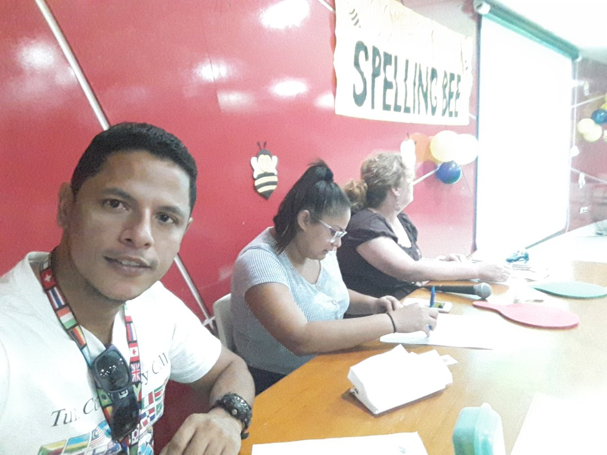 #AHORA We accompany @comfacesar students in the Spelling Be competition.  Good luck to everyone.Thanks to the Tulsa Intercultural Association and the Intercultural Connection Foundation @tulsacc @Valleduparpic.twitter.com/mMvngh6LtT – at Colegio Comfacesar