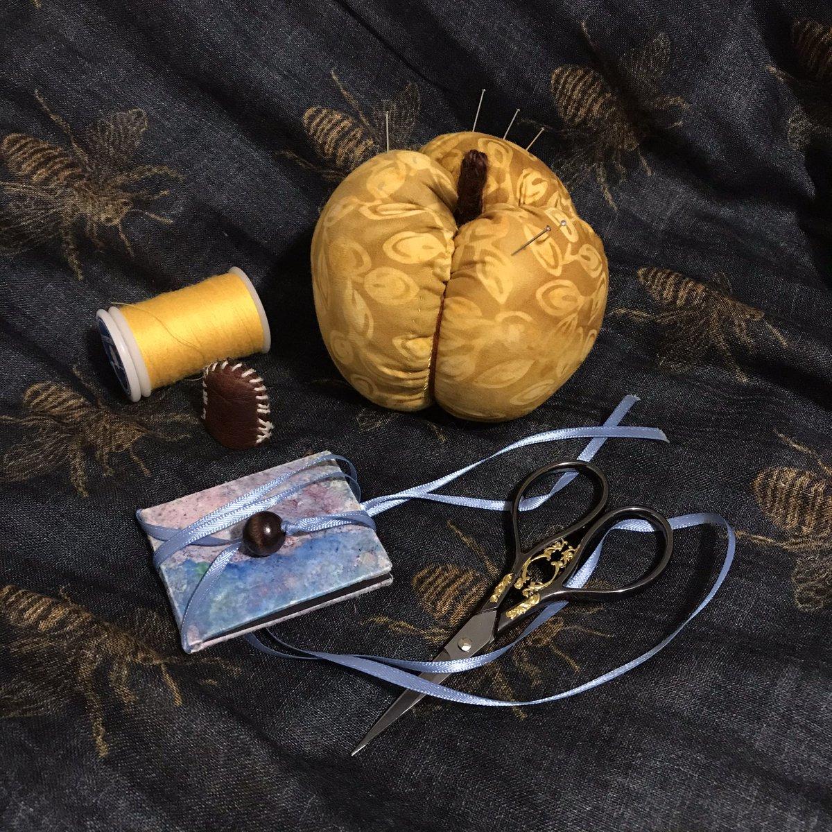 Finally figured out the mock-apple pincushion pattern! (Also: sneak peek of Aunt Lorenza's sewing kit) #FanArt #TheOuterWorlds