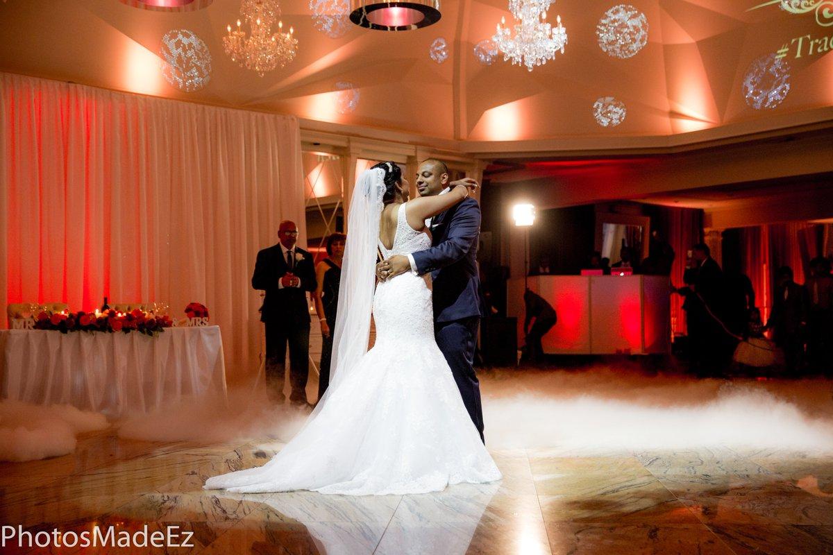 #brideandgroom #guyanesewedding #IndianWedding #newjerseywedding #hinduwedding #bride #westindianwedding #cinderellabridez #weddingreception #southasianwedding #maharaniweddings #weddingdecor #luxurywedding #weddingplanner #weddingcoordinator #mua #westindianwedding #desiwedding pic.twitter.com/HhvgtOi4vS