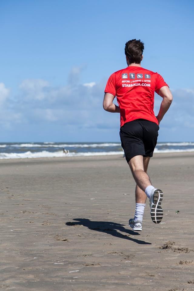 Wer sich bewegt, trainiert Muskulatur, Standfestigkeit und Koordination. . . #bewegung #gesundheit #sport #fit #fitness #jogging #running #sportmotivation #laufen #runningmotivation #sportcare #bewegung #starbalm #starbalmschweizpic.twitter.com/Ac8zy0lctg
