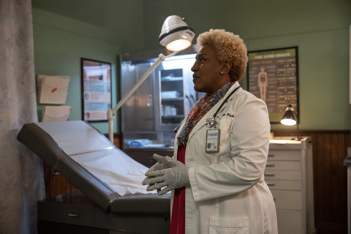 She deserves! Our very own @CCHPounder is nominated for Outstanding Supporting Actress in a Drama Series!   Tune in to @BET's #NAACPImageAwards tomorrow at 8/7c to watch and cheer for her. #NCISNOLA