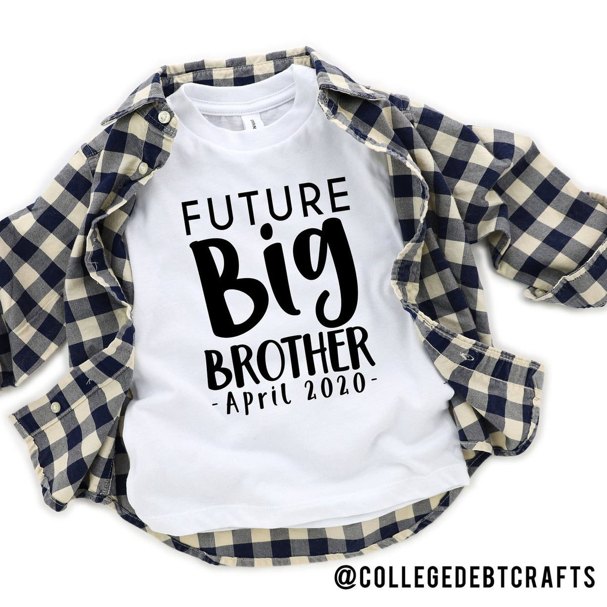 Custom baby announcement tees available in my Etsy shop!   - http://ow.ly/Yqp650yoBLM - #babyannouncement #mom #momlife #momsofinstagram #ootd #flatlay #collegedebtcrafts #indy #CustomTee #igstyle #igfashion #Fashion #style #OnTrendAlert #boutiquestyle #brothertee #shirtpic.twitter.com/eUXpyhHhia