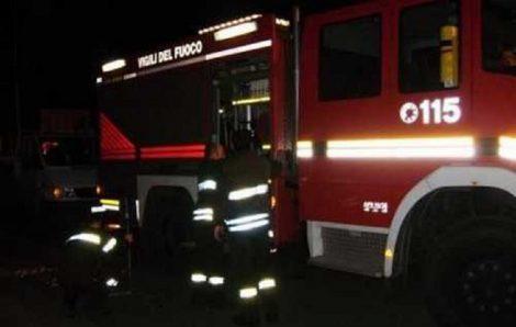 Incendio in un deposito mezzi a Isola delle Femmine, intervento dei vigili del fuoco - https://t.co/oRIIOIRduq #blogsicilianotizie