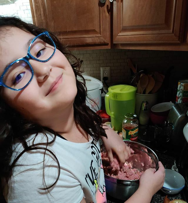 #flashbackfriday to when kiddo first learned the ART of the MEATBALL ROLL.  #successfulvision #eyewear #kiddo #fam #familyfirst #ilovemydaughter #daughter #daddyanddaughter #timeflies #villageofpelhamny #newrochelle #westchester #lohud #meatballs #homemade  #whatmattersmost