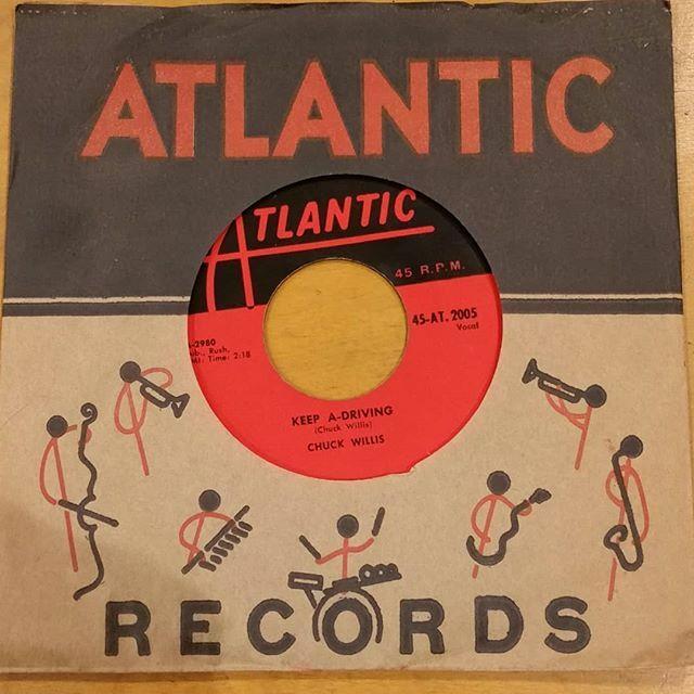 @OshawaRecordShow this Sun Feb.23rd 10 - 4 pm at 38 Lviv Blvd. Oshawa. 30+ record dealers 30,000+ lps, 45s & cds  #SelectorRecords #Records #RecordsForSale #vinyl #VinylRecords #VinylForSale #Cratediggers #RecordsForSale #Recordstore #RecordShow #VinylAddict #vinylcollector …pic.twitter.com/Qyd72TClJX