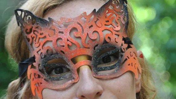 #Foxy #3dprinting #cosplay #renfaire https://yodapop.com/product/3d-printed-filigree-fox-mask…pic.twitter.com/skurNJKcOf